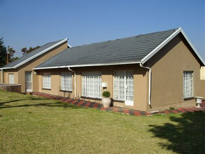 Roodepoort, Fleurhof Property  | Houses For Sale Fleurhof, Fleurhof, House 5 bedrooms property for sale Price:950,000