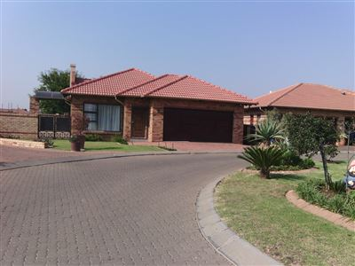 Alberton, New Market Park Property  | Houses For Sale New Market Park, New Market Park, Retirement Home 2 bedrooms property for sale Price:1,995,000