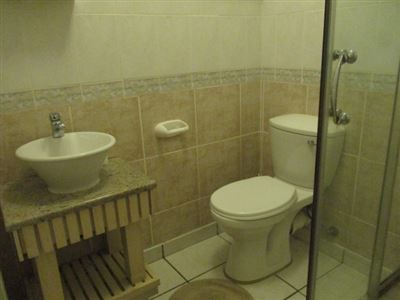 Margate property for sale. Ref No: 13492802. Picture no 22