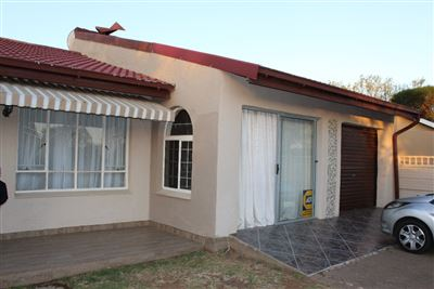 Bloemfontein, Fauna Property  | Houses For Sale Fauna, Fauna, House 4 bedrooms property for sale Price:1,100,000