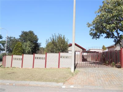 Roodepoort, Groblerpark Property  | Houses For Sale Groblerpark, Groblerpark, House 3 bedrooms property for sale Price:770,000