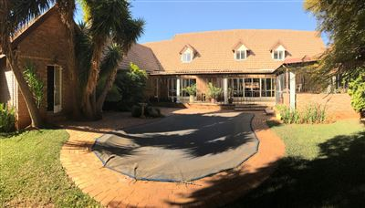 Property and Houses for sale in Kameeldrift East, House, 8 Bedrooms - ZAR 4,900,000