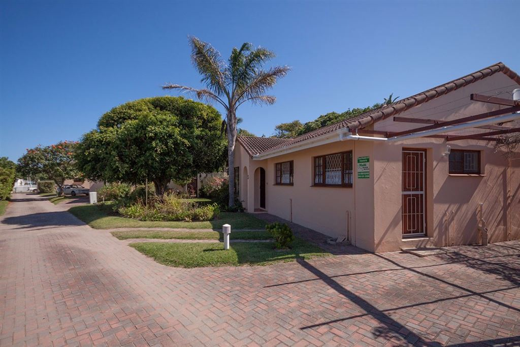 Four Bedroom Townhouse In Secure Complex in Port Alfred.