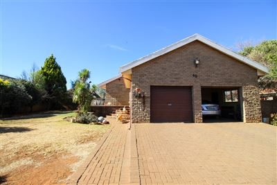 Bloemfontein, Langenhovenpark Property  | Houses For Sale Langenhovenpark, Langenhovenpark, House 5 bedrooms property for sale Price:1,799,000