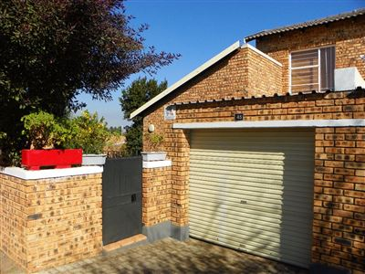 Roodepoort, Honeydew Property  | Houses For Sale Honeydew, Honeydew, Townhouse 2 bedrooms property for sale Price:660,000