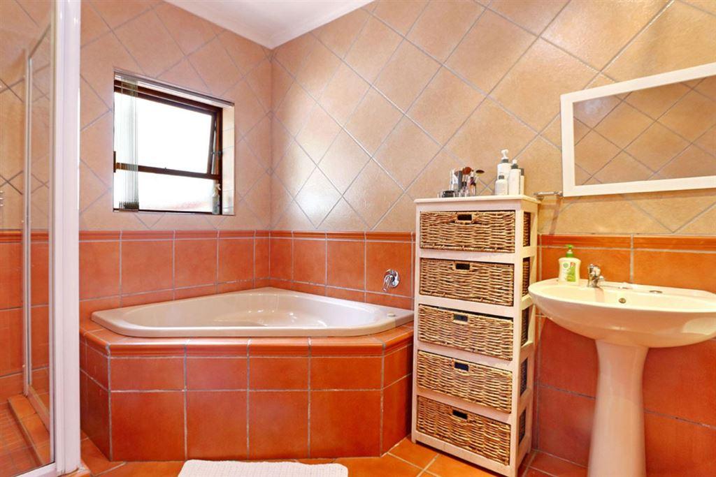4 Bedroom, 2 bathroom house for sale - Klein Bron Estate