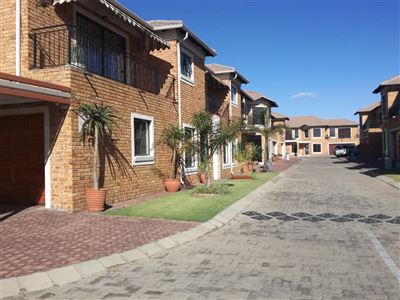 Alberton, New Market Property  | Houses For Sale New Market, New Market, Townhouse 3 bedrooms property for sale Price:1,795,000