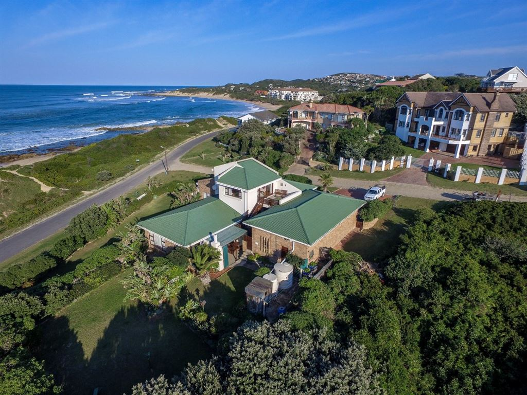 Coastal Living in Port Alfred, With Beach as a Front Garden