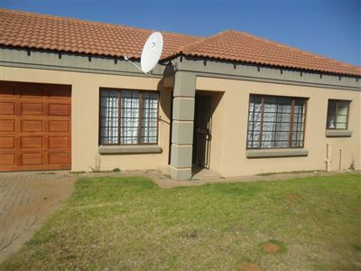 Witbank, Jackaroo Park Property  | Houses To Rent Jackaroo Park, Jackaroo Park, Townhouse 3 bedrooms property to rent Price:,  5,90*
