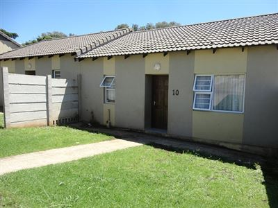 East London, Southernwood Property  | Houses To Rent Southernwood, Southernwood, Townhouse 2 bedrooms property to rent Price:,  5,00*