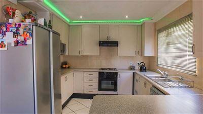 Johannesburg, Elandspark Property  | Houses To Rent Elandspark, Elandspark, Townhouse 3 bedrooms property to rent Price:,  8,00*