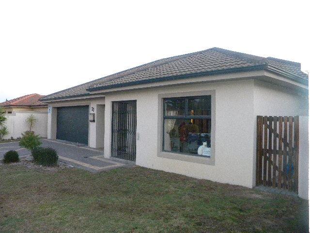 3/4 Bedroom house for sale in Sonkring Brackenfell