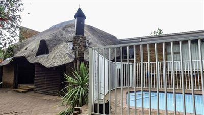 Bloemfontein, Heuwelsig Property  | Houses For Sale Heuwelsig, Heuwelsig, House 4 bedrooms property for sale Price:2,149,900