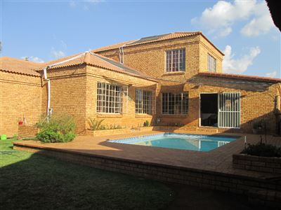 House for sale in Amberfield Crest Estate