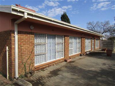 Bloemfontein, Brandwag Property  | Houses For Sale Brandwag, Brandwag, House 7 bedrooms property for sale Price:3,050,000