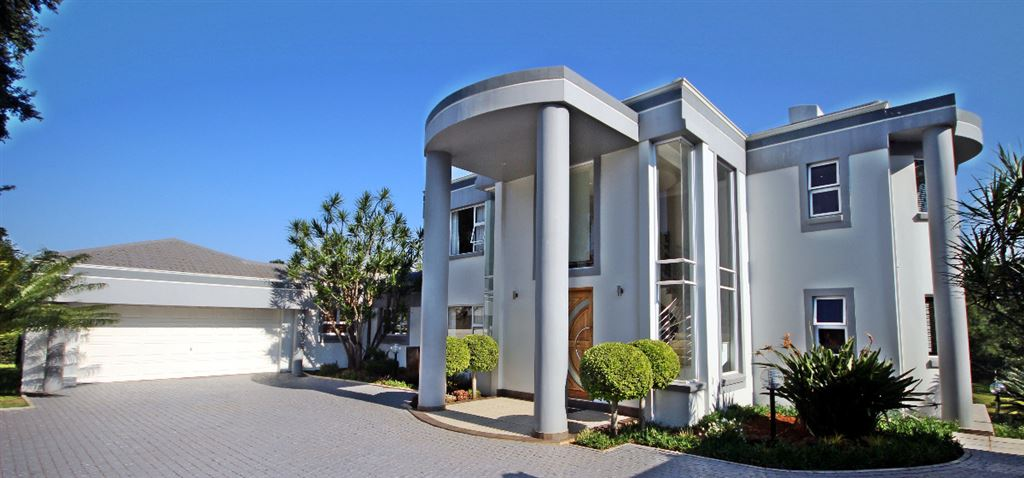 Stylish, Sophisticated Entertainer in Winston Park