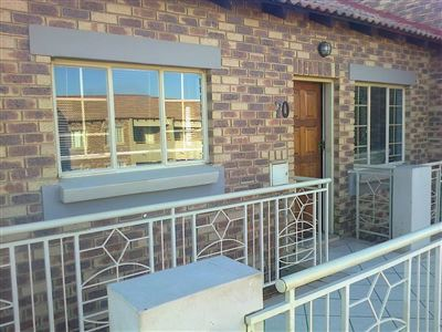 Property and Houses for sale in Centurion, House, 2 Bedrooms - ZAR 742,000
