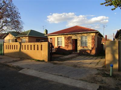 Johannesburg, Rosettenville Property  | Houses For Sale Rosettenville, Rosettenville, House 2 bedrooms property for sale Price:649,000