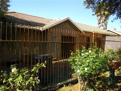 Property and Houses for sale in Silverton, House, 3 Bedrooms - ZAR 1,200,000