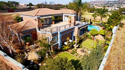 House for sale in Ruimsig Ah