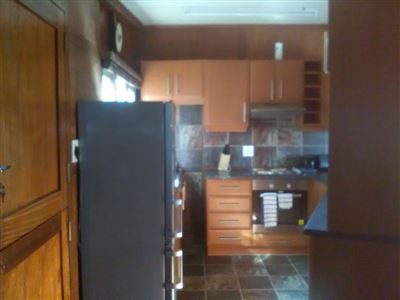 Athlone Park property to rent. Ref No: 13501512. Picture no 4