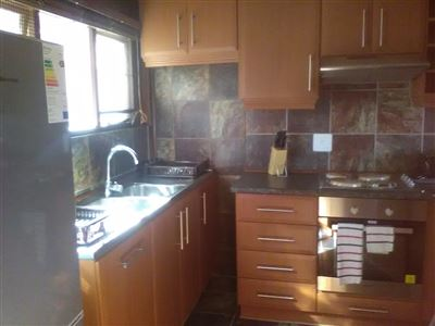 Athlone Park property to rent. Ref No: 13501512. Picture no 6