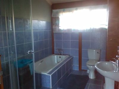 Athlone Park property to rent. Ref No: 13501512. Picture no 10