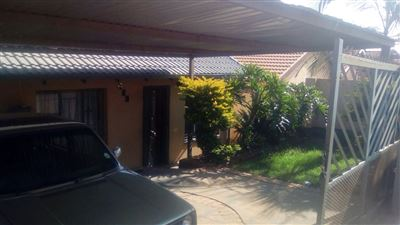 Property and Houses for sale in Soshanguve South, House, 2 Bedrooms - ZAR 391,000