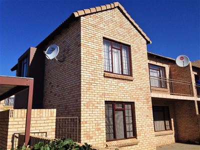 Bloemfontein, Wilgehof Property  | Houses For Sale Wilgehof, Wilgehof, Townhouse 2 bedrooms property for sale Price:705,000