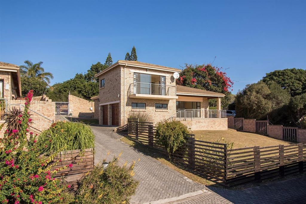 Affordable Luxury in a Freehold Complex in Port Alfred