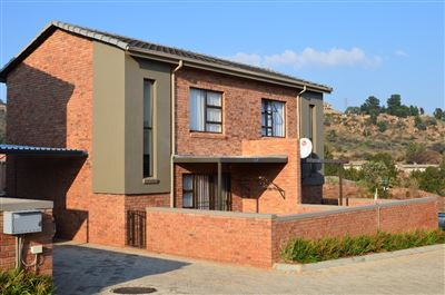 Roodepoort, Helderkruin & Ext Property  | Houses For Sale Helderkruin & Ext, Helderkruin & Ext, Townhouse 3 bedrooms property for sale Price:1,030,000