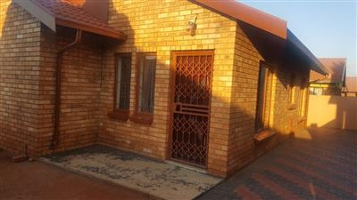 Geelhoutpark for sale property. Ref No: 13504411. Picture no 1