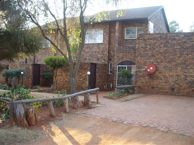 Roodepoort, Fleurhof Property  | Houses For Sale Fleurhof, Fleurhof, Townhouse 3 bedrooms property for sale Price:630,000