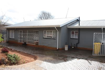 Krugersdorp, Kenmare Property  | Houses For Sale Kenmare, Kenmare, House 4 bedrooms property for sale Price:1,100,000