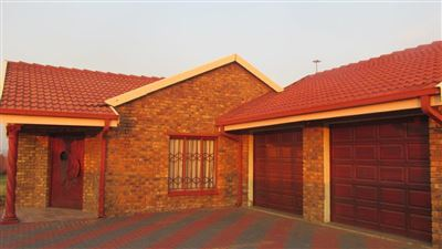 Witbank, Kwaguqa Property    Houses For Sale Kwaguqa, Kwaguqa, House 4 bedrooms property for sale Price:869,000
