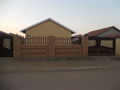 Rustenburg, Boitekong Property  | Houses For Sale Boitekong, Boitekong, House 3 bedrooms property for sale Price:465,000