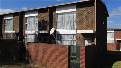 Roodepoort, Groblerpark Property  | Houses For Sale Groblerpark, Groblerpark, House 2 bedrooms property for sale Price:399,000