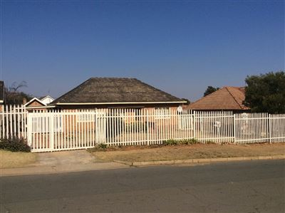 Krugersdorp, Mindalore & Ext Property  | Houses For Sale Mindalore & Ext, Mindalore & Ext, House 3 bedrooms property for sale Price:890,000