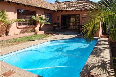 Rustenburg, Safari Gardens Property    Houses To Rent Safari Gardens, Safari Gardens, House 3 bedrooms property to rent Price:, 13,70*