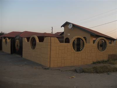 Rustenburg, Boitekong Property  | Houses For Sale Boitekong, Boitekong, House 3 bedrooms property for sale Price:530,000