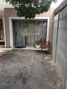 Kraaifontein, Bonnie Brae Property  | Houses To Rent Bonnie Brae, Bonnie Brae, Flats 1 bedrooms property to rent Price:,  5,00*
