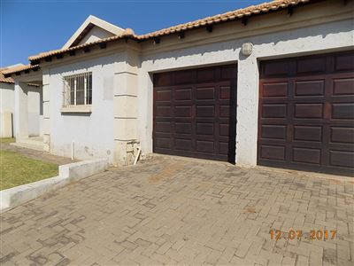Witbank, Hoeveld Park Property  | Houses To Rent Hoeveld Park, Hoeveld Park, Townhouse 3 bedrooms property to rent Price:,  8,00*
