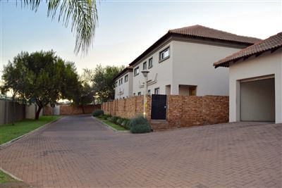 Pretoria, Bergtuin Property  | Houses For Sale Bergtuin, Bergtuin, Townhouse 2 bedrooms property for sale Price:840,000