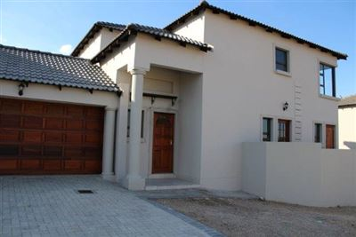 Centurion, Thatchfield Estate Property  | Houses For Sale Thatchfield Estate, Thatchfield Estate, House 3 bedrooms property for sale Price:2,000,000