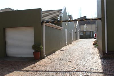Bloemfontein, Westdene Property  | Houses For Sale Westdene, Westdene, Townhouse 3 bedrooms property for sale Price:895,000