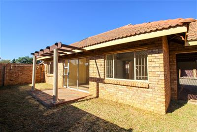 Bloemfontein, Langenhovenpark Property  | Houses For Sale Langenhovenpark, Langenhovenpark, Townhouse 3 bedrooms property for sale Price:1,035,000
