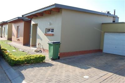 Rustenburg, Waterval East Property  | Houses To Rent Waterval East, Waterval East, Townhouse 3 bedrooms property to rent Price:,  8,30*