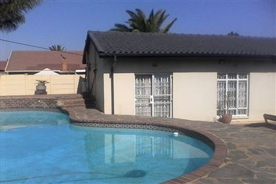 Alberton, Brackendowns Property  | Houses For Sale Brackendowns, Brackendowns, House 3 bedrooms property for sale Price:1,625,000