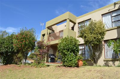 Roodepoort, Helderkruin & Ext Property  | Houses For Sale Helderkruin & Ext, Helderkruin & Ext, Townhouse 2 bedrooms property for sale Price:820,000