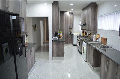 Roodepoort, Helderkruin Property  | Houses For Sale Helderkruin, Helderkruin, House 3 bedrooms property for sale Price:1,649,000